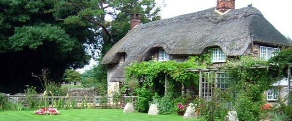 Thatched Roof Cottage Ref 1325
