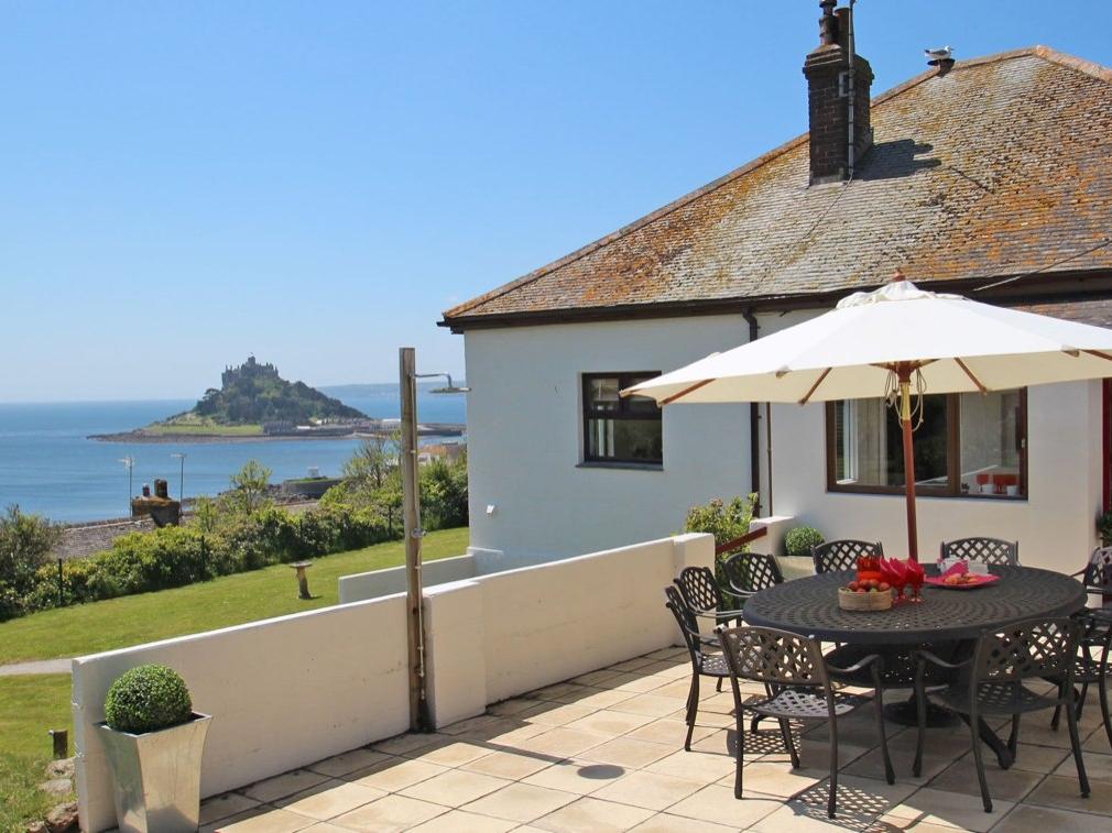 Castle Bay, Marazion, Cornwall
