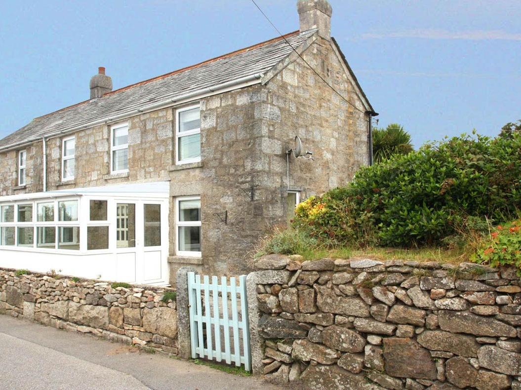 April Cottage, Lanteglos, Cornwall