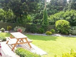 Garden Flat photo 1