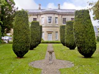 4 Castle House photo 1