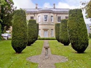4 Castle House photo 1