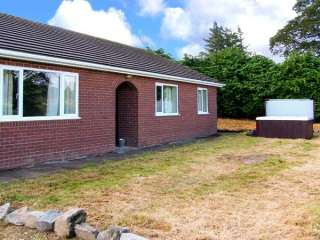 Glanyrafon Bungalow photo 1