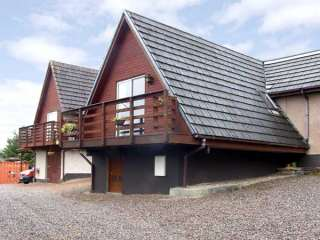 Larchfield Chalet 2 photo 1