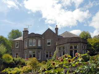 Castleton House photo 1