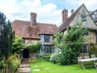 Tudor Wing photo 1