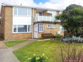 2 Kingsway Court photo 1