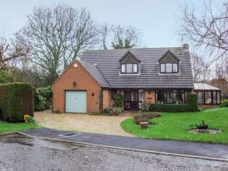 9 Chestnut Close photo 1