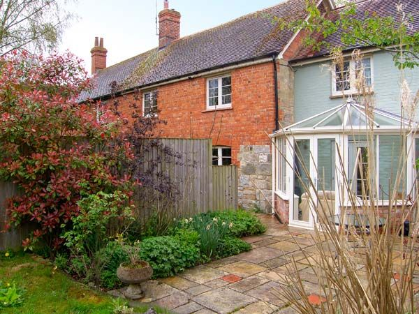 Courtyard Cottage photo 1