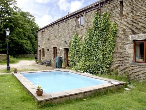 Lees Hall Cottage Glossop Peak District Self Catering Holiday Cottage