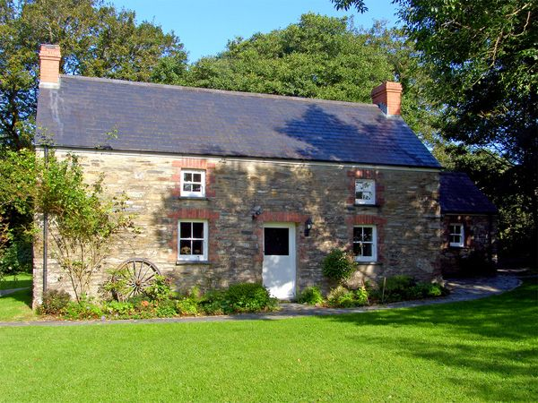 Penlanfach Farmhouse photo 1