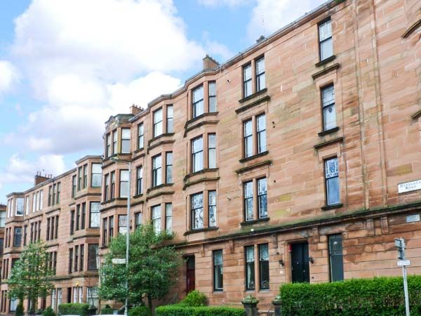 West end apartment glasgow partick self catering holiday cottage for Swimming pool west end glasgow