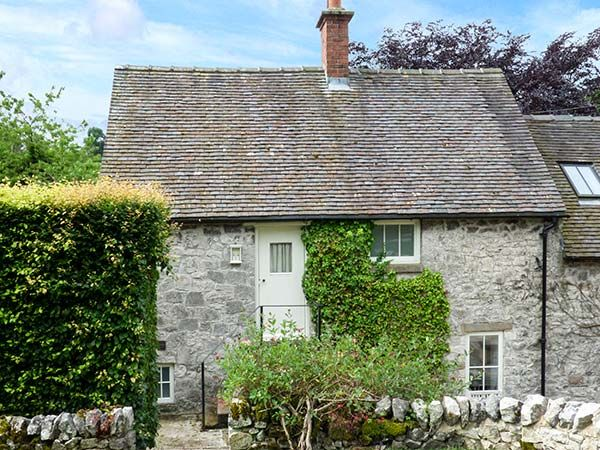 Hallcliffe Cottage Parwich Peak District Self Catering Holiday Cottage