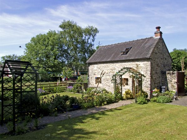 Church Barn Fenny Bentley Peak District Self Catering Holiday Cottage