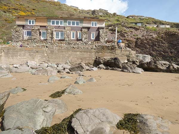 Scylla View Cottage, Whitsand Bay, Cornwall