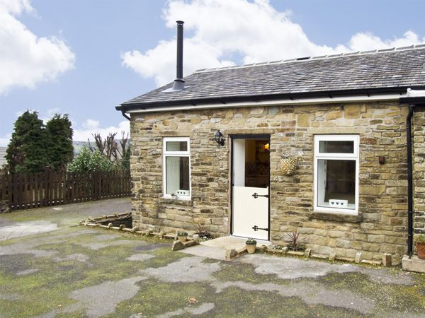 The Cow Shed Glossop Peak District Self Catering Holiday Cottage