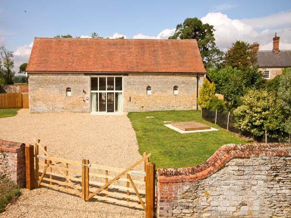 Manor Barn photo 1
