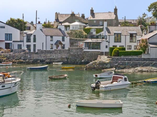 Thalassa Cemaes Bay Cemaes Self Catering Holiday Cottage
