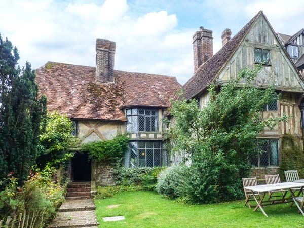 tudor wing chiddingstone chiddingstone hoath south of england self catering holiday cottage. Black Bedroom Furniture Sets. Home Design Ideas