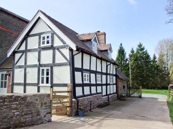 Shropshire Holiday Cottages: Stone Cottage, Caynham | sykescottages.com