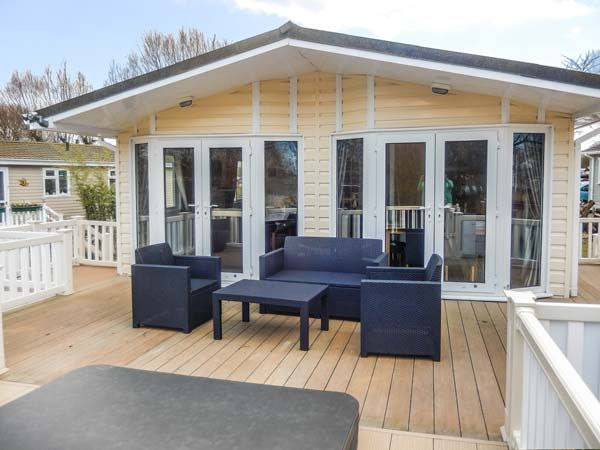 The Boathouse Lodge Tattershall Lakes Country Park Tattershall East Anglia Self Catering