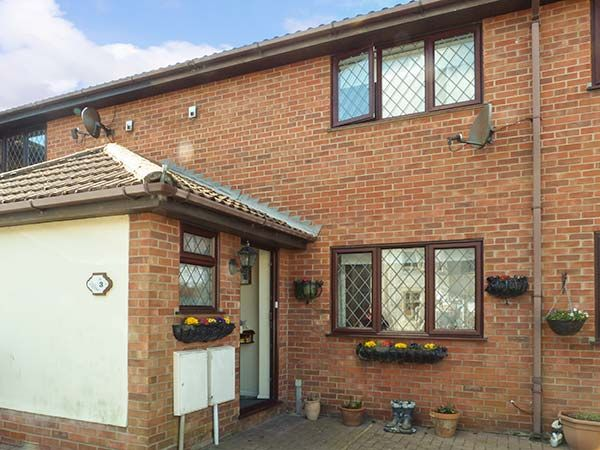 Joan 39 S Gem Walton On The Naze East Anglia Self Catering Holiday Cottage