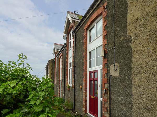 Base House photo 1