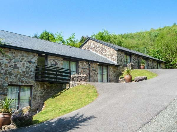 Luxury holiday cottage wales romantic cottages in brecon for Premium holiday cottages