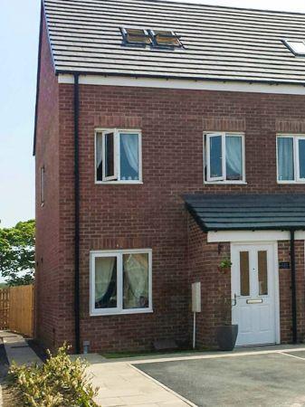Line House photo 1