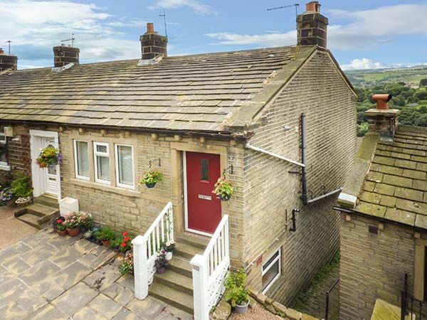 Ginnel Corner Golcar Town End Peak District Self Catering Holiday Cottage