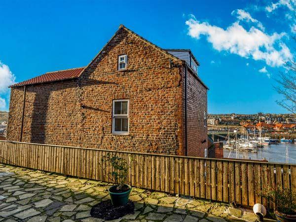 Kirkby House photo 1