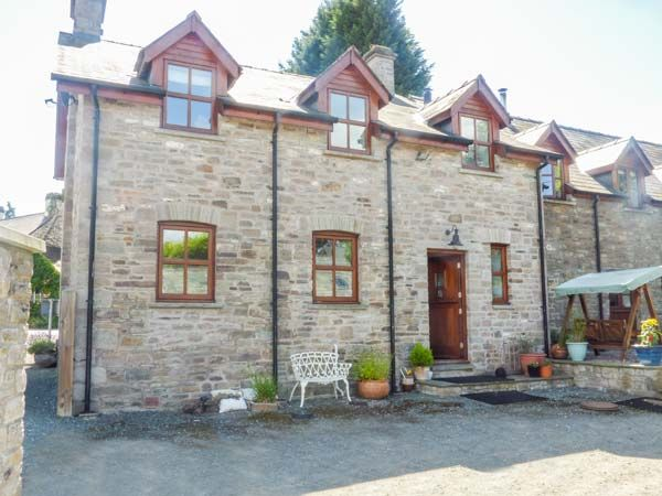 Cross House Farm Llyswen Self Catering Holiday Cottage
