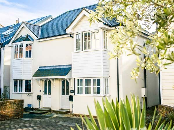 Astounding Seasalt Cottage Ventnor Self Catering Holiday Rental Beutiful Home Inspiration Ommitmahrainfo