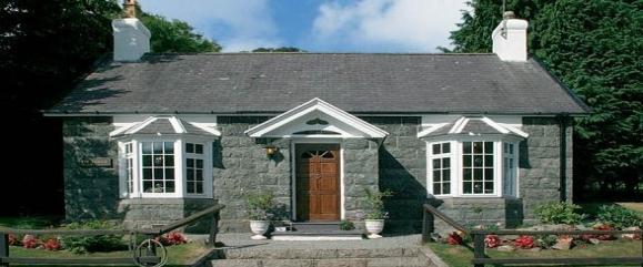 Detached Cottage Ref 381