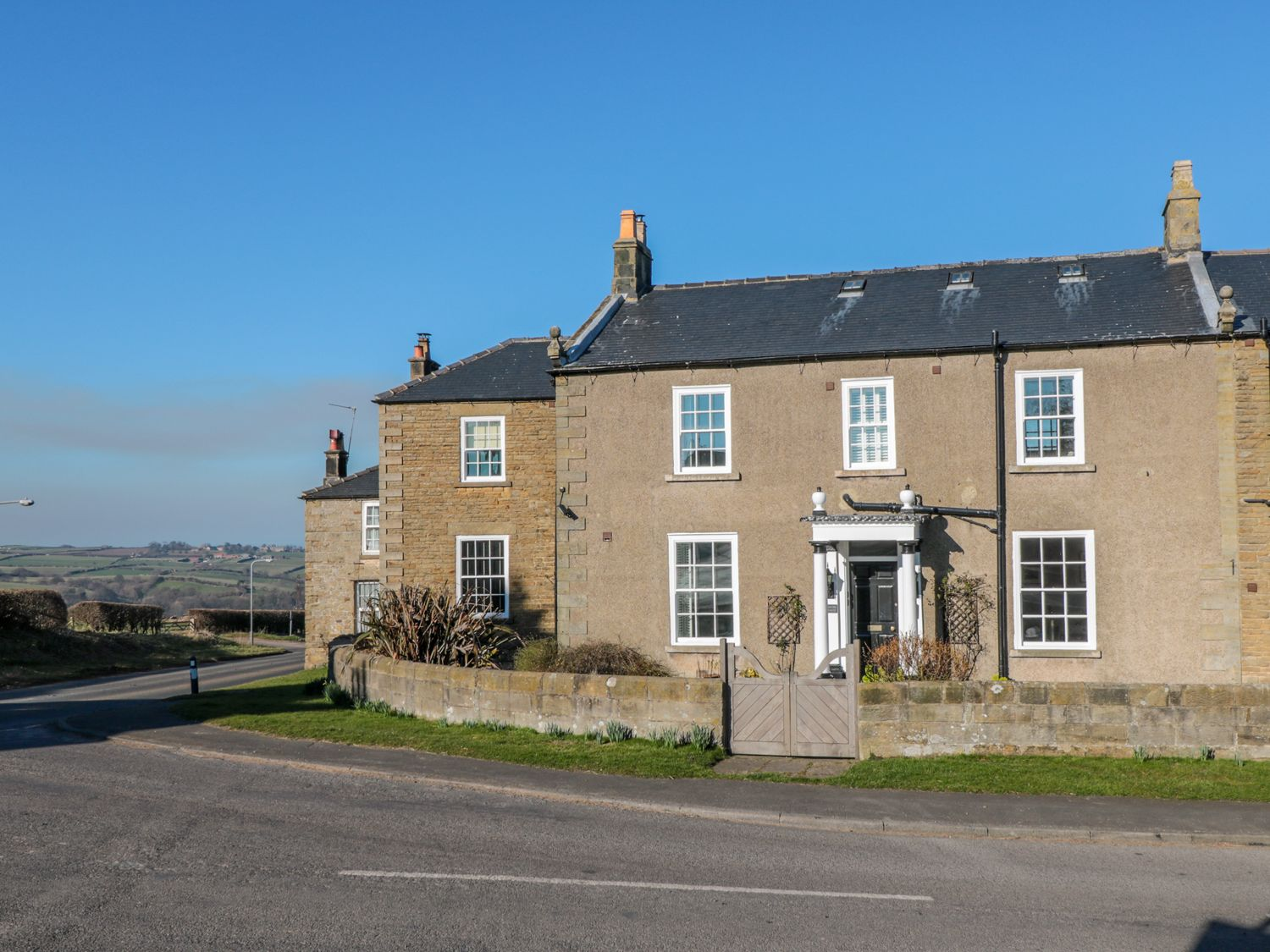 Apartment 7, Sneaton Hall - Whitby & North Yorkshire - 1000734 - photo 1