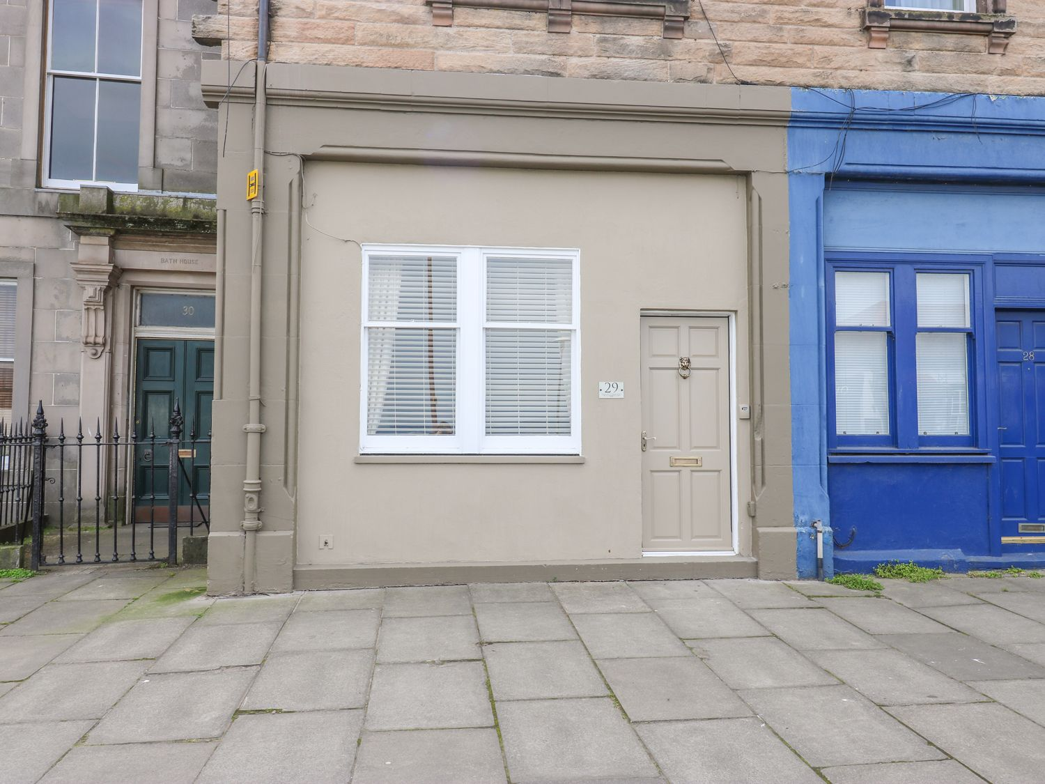 29 Trinity Crescent - Scottish Lowlands - 1001408 - photo 1