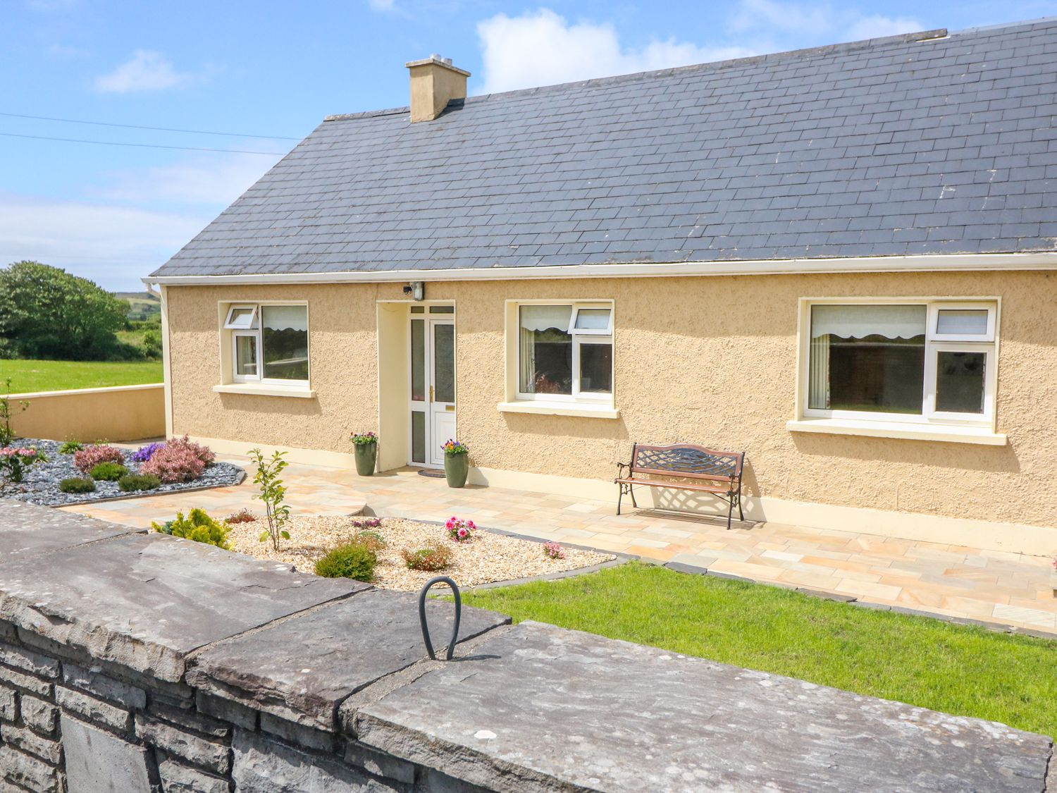 Sea View Hideaway - County Clare - 1014300 - photo 1