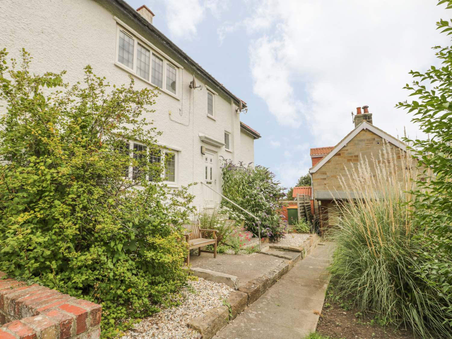 Stakesby House Apartment 3 - Whitby & North Yorkshire - 1017003 - photo 1