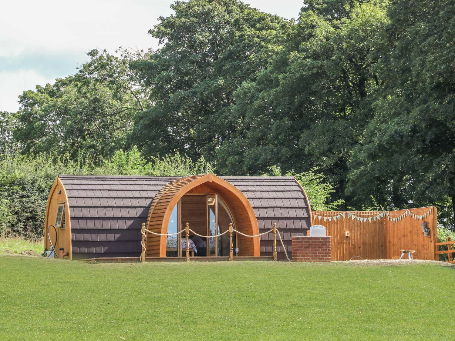 Buttercup @ Hedgerow Luxury Glamping - Yorkshire Dales - 1018694 - photo 1