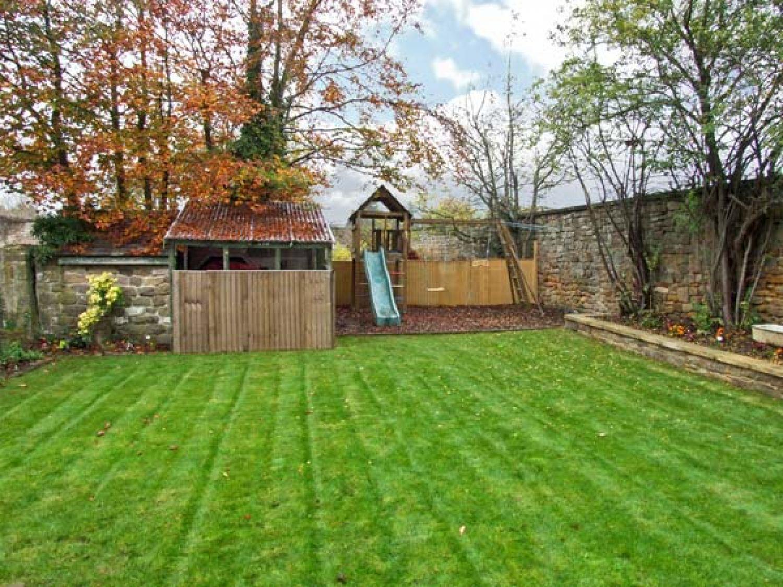 Garden Walk Buffalo Cottage District 5: Rotherwood Cottage