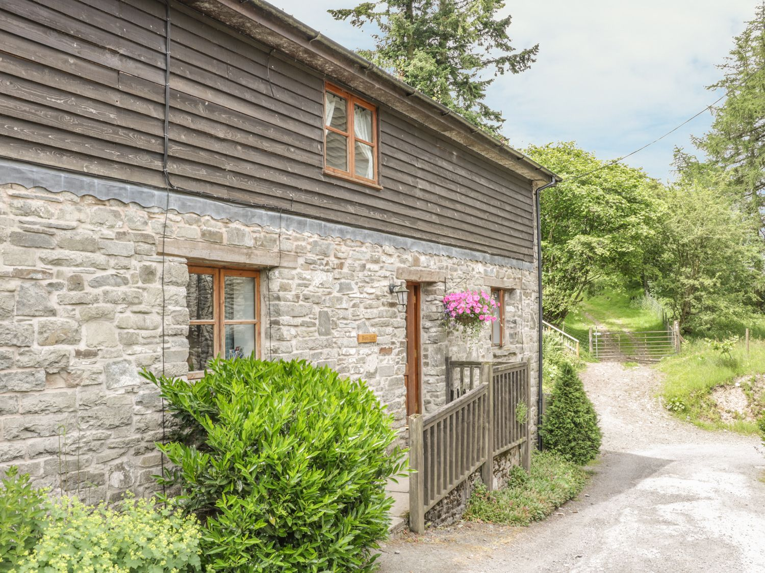Barn End - Mid Wales - 11208 - photo 1