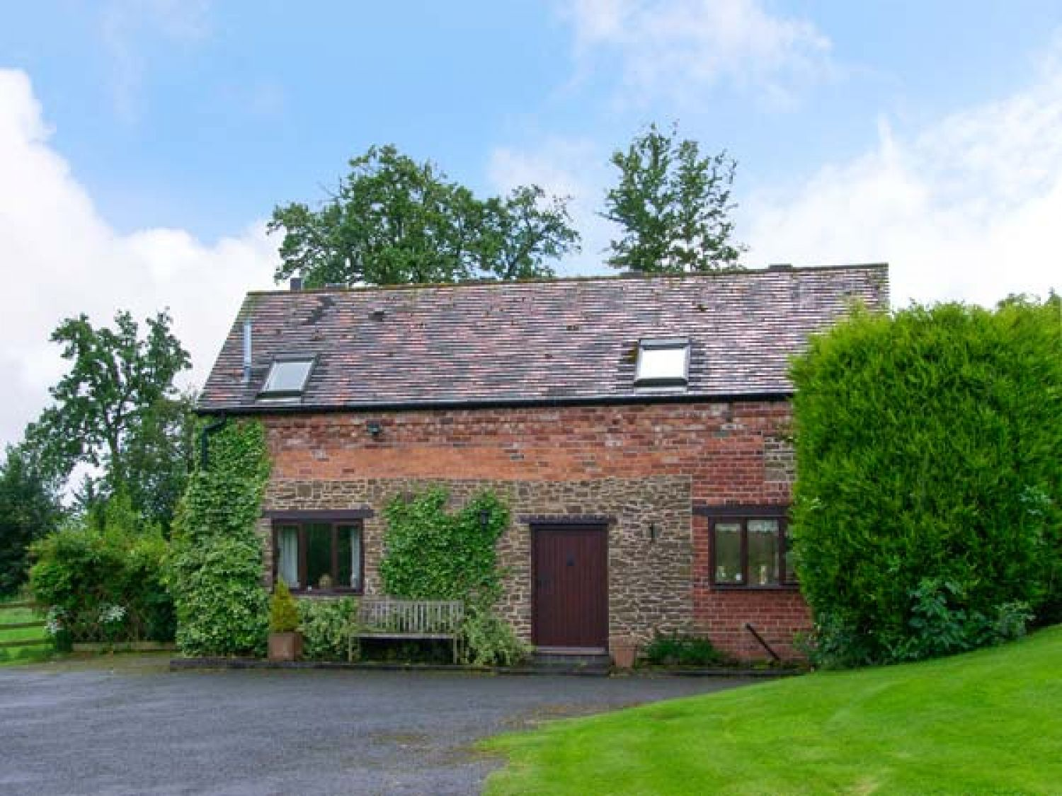 the old barn bewdley lye head self catering holiday cottage