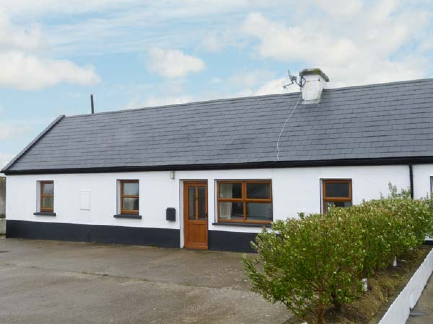 No. 3 White Strand - County Clare - 29898 - photo 1