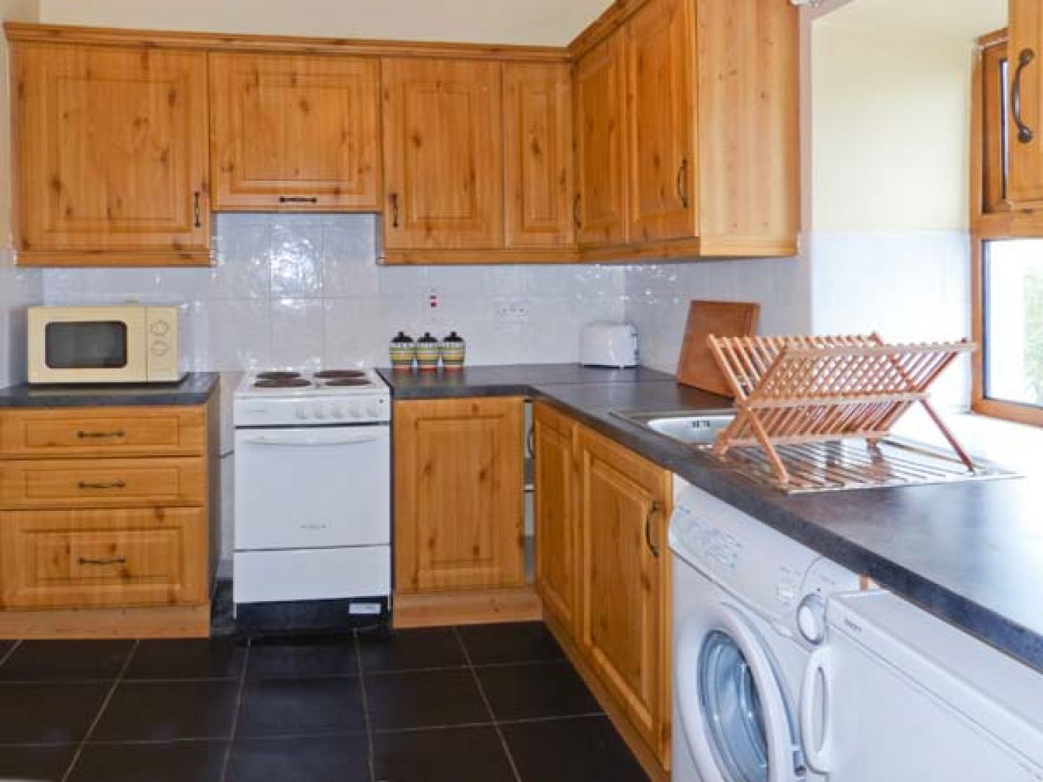 No. 3 White Strand   Doonbeg, County Clare   Doonbeg   Self Catering  Holiday Cottage