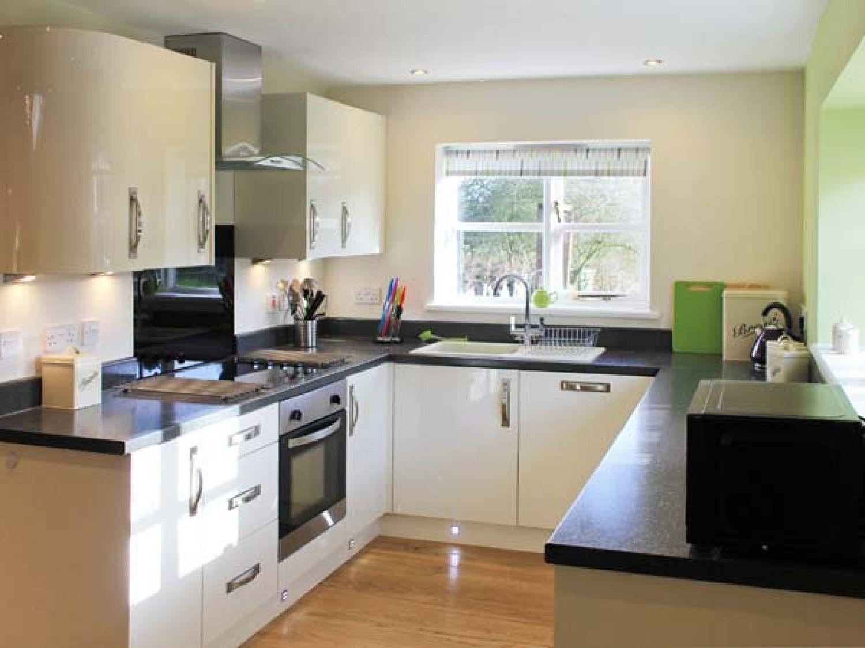 Oak Tree Lodge | Crostwick | East Anglia | Self Catering Holiday Cottage