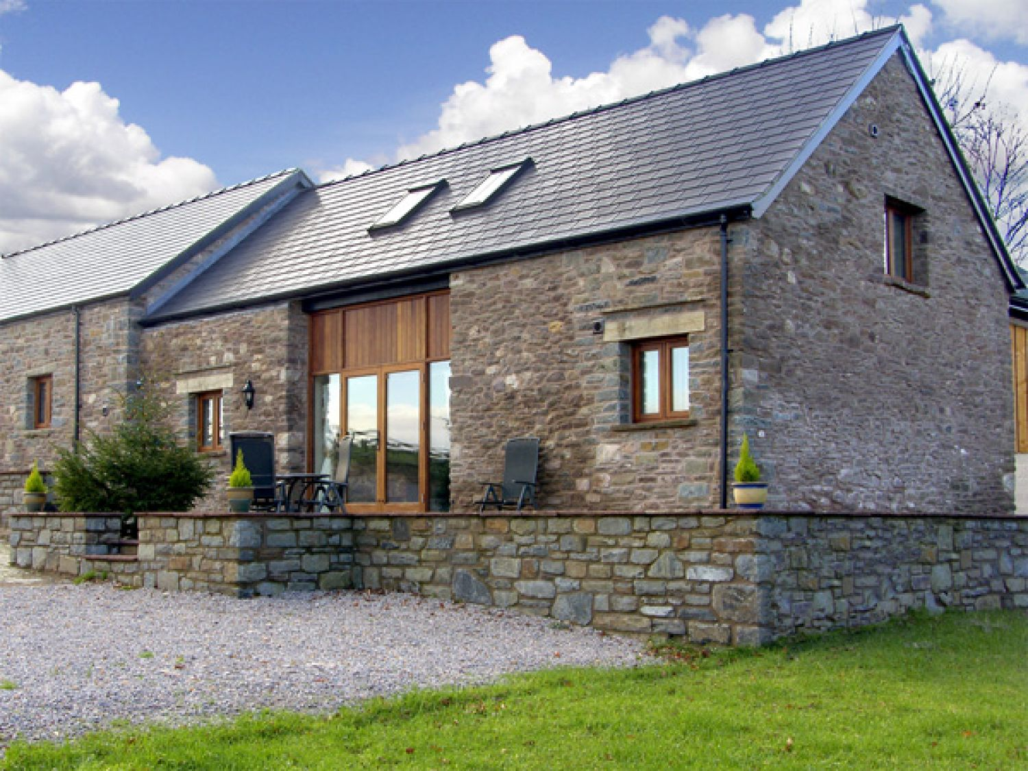 Millbrook Barn Llanddewi Skirrid Self Catering Holiday