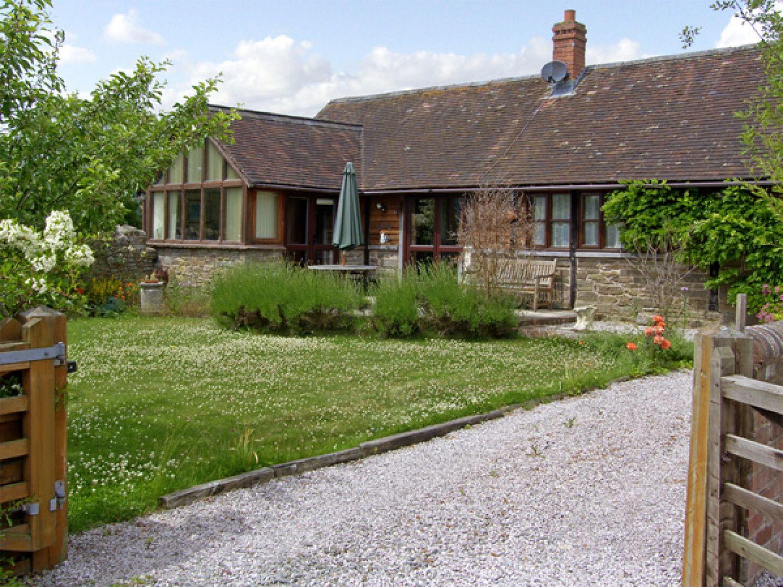1 Church Farm Barn photo 1