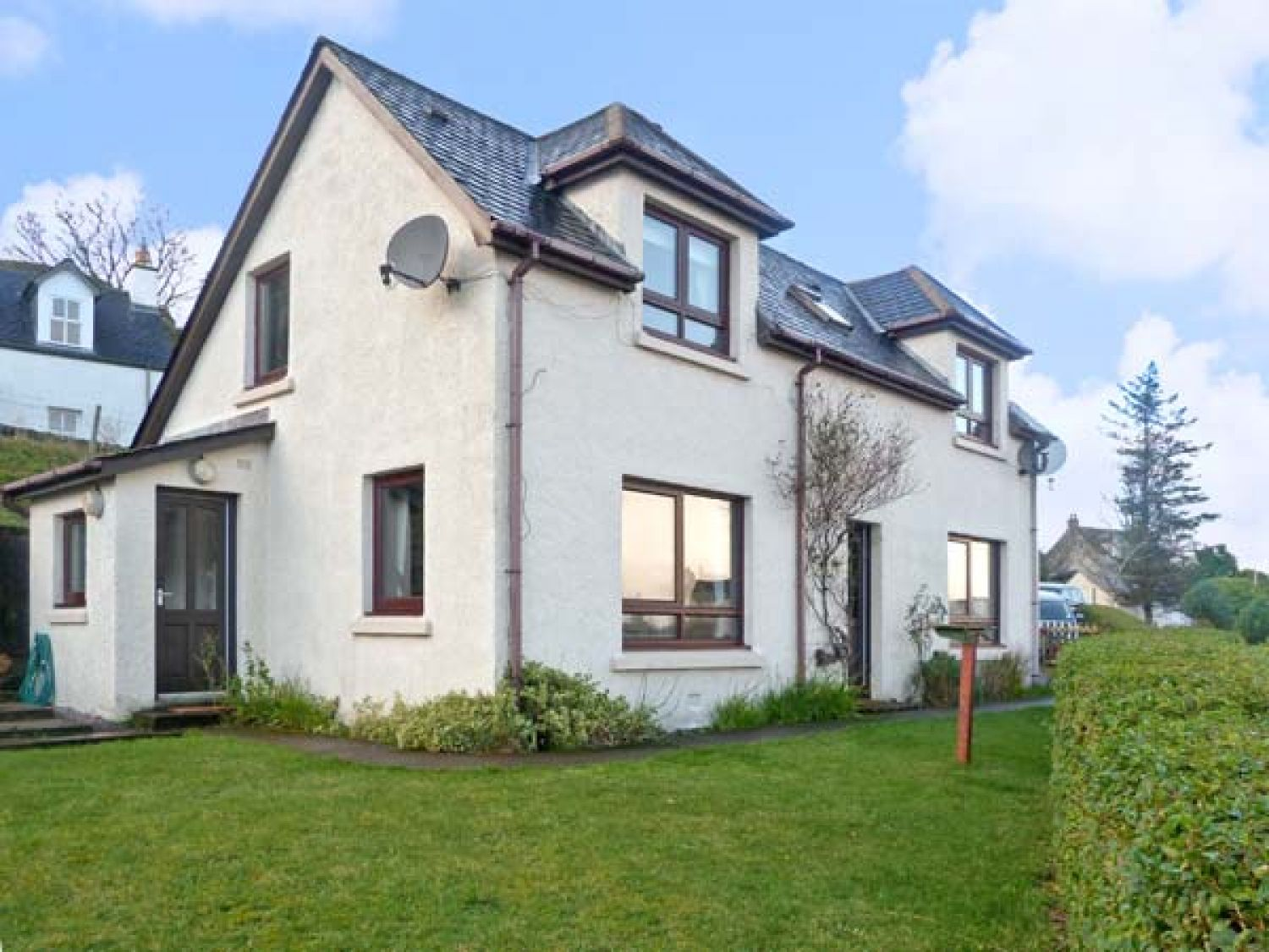 Pool house poolewe midtown self catering holiday cottage - Scotland holiday homes with swimming pool ...