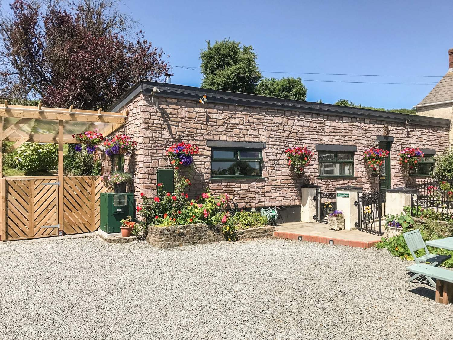 Ffynnonlwyd Cottage - South Wales - 904205 - photo 1