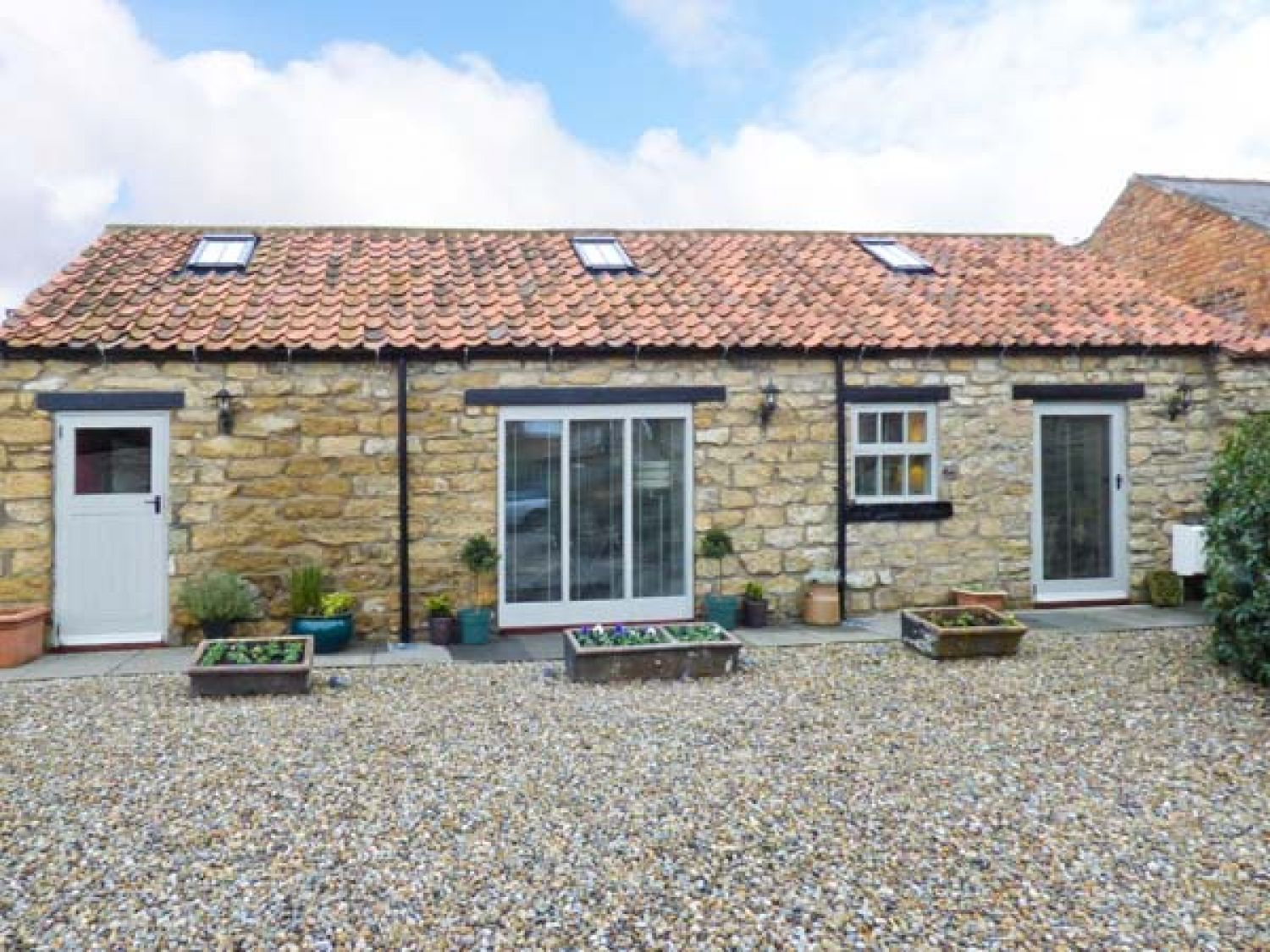 Cow Byre Cottage - Whitby & North Yorkshire - 911892 - photo 1